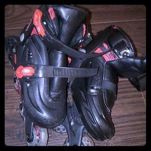 Adjustable Avigo Youth roller skates